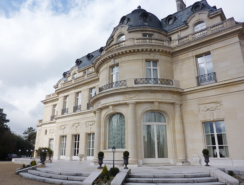 Chateau-mont-royal-tiara-chatilly-spa-exterieur