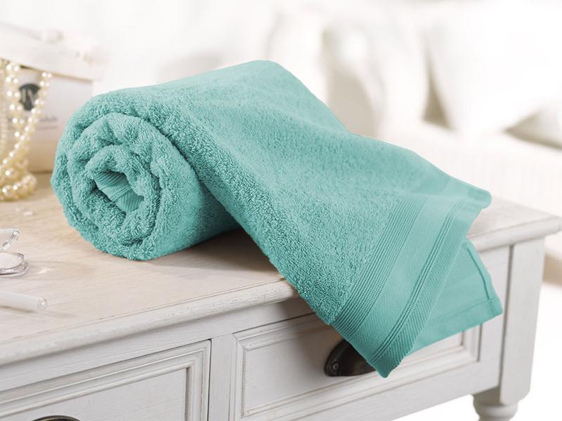 serviette-de-toilette-luxe-couleur-bleu-azur-pastel-et-acidule