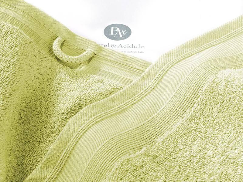 serviette-de-toilette-luxe-zoom-couleur-vert-anis-pastel-et-acidule